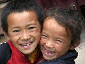 coppia_bambini_derge_Tibet